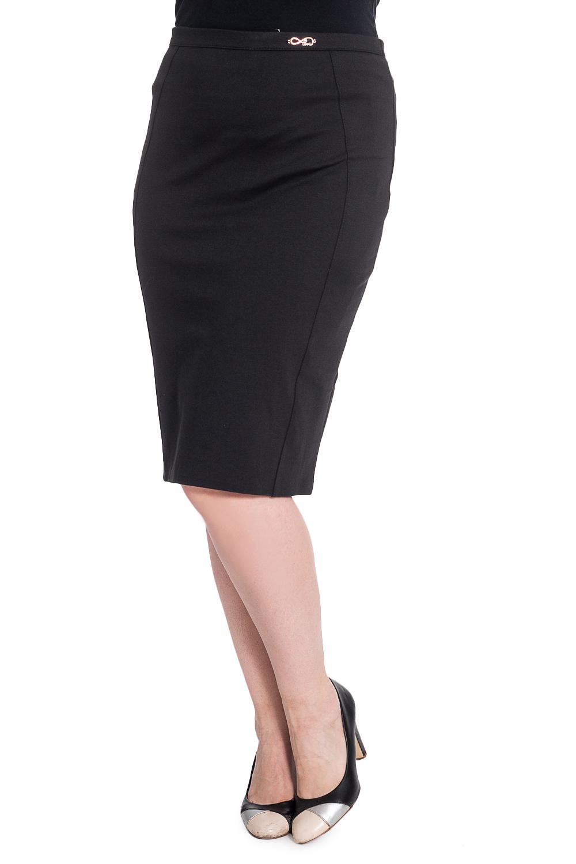 ЮбкаЮбки<br>Классическая женская юбка длиной ниже колена. Модель выполнена из приятного материала. Отличный выбор для повседневного и делового гардероба.   В изделии использованы цвета: черный  Рост девушки-фотомодели 180 см<br><br>По длине: Ниже колена<br>По материалу: Костюмные ткани<br>По рисунку: Однотонные<br>По сезону: Весна,Зима,Лето,Осень,Всесезон<br>По силуэту: Приталенные<br>По стилю: Классический стиль,Офисный стиль,Повседневный стиль<br>По форме: Юбка-карандаш<br>По элементам: С разрезом,С завышенной талией<br>Разрез: Короткий,Шлица<br>Размер : 42,44,46,48<br>Материал: Трикотаж<br>Количество в наличии: 8
