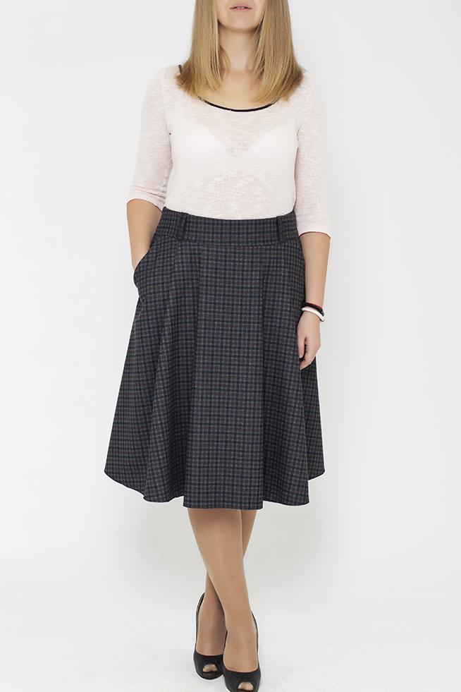 ЮбкаЮбки<br>Цветная юбка из приятного материала. Наличие эластана в составе ткани обеспечивает свободу движений. Отличный выбор для повседневного и делового гардероба. Ткань - плотный трикотаж, характеризующийся эластичностью, растяжимостью и мягкостью.  В изделии использованы цвета: серый, синий, бежевый  Параметры размеров: 44 размер - обхват груди 84 см., обхват талии 72 см., обхват бедер 97 см. 46 размер - обхват груди 92 см., обхват талии 76 см., обхват бедер 100 см. 48 размер - обхват груди 96 см., обхват талии 80 см., обхват бедер 103 см. 50 размер - обхват груди 100 см., обхват талии 84 см., обхват бедер 106 см. 52 размер - обхват груди 104 см., обхват талии 88 см., обхват бедер 109 см. 54 размер - обхват груди 110 см., обхват талии 94,5 см., обхват бедер 114 см. 56 размер - обхват груди 116 см., обхват талии 101 см., обхват бедер 119 см. 58 размер - обхват груди 122 см., обхват талии 107,5 см., обхват бедер 124 см. 60 размер - обхват груди 128 см., обхват талии 114 см., обхват бедер 129 см.  Ростовка изделия 168 см.<br><br>По длине: Ниже колена<br>По материалу: Тканевые,Шерсть<br>По образу: Город,Офис<br>По рисунку: С принтом,Цветные,В клетку<br>По сезону: Зима,Осень,Весна<br>По силуэту: Полуприталенные<br>По стилю: Классический стиль,Офисный стиль,Повседневный стиль<br>По форме: Юбка-трапеция<br>По элементам: С карманами,Со складками<br>Размер : 44<br>Материал: Костюмная ткань<br>Количество в наличии: 1