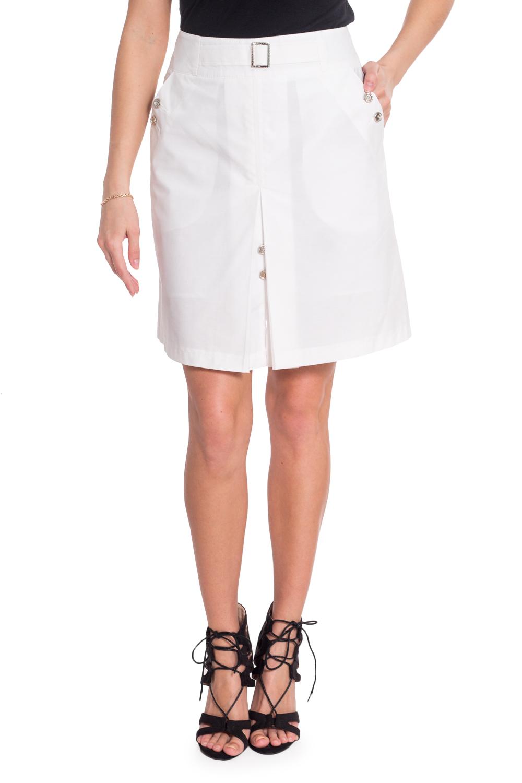 ЮбкаЮбки<br>Белая офисная летняя юбка. Модель выполнена из приятного материала. Отличный выбор для повседневного и делового гардероба.  В изделии использованы цвета: белый  Рост девушки-фотомодели 170 см<br><br>Застежка: С молнией<br>Длина: До колена<br>Материал: Костюмные ткани,Тканевые<br>Рисунок: Однотонные<br>Сезон: Лето<br>Силуэт: Полуприталенные<br>Стиль: Летний стиль,Офисный стиль,Повседневный стиль<br>Форма: Юбка-трапеция<br>Элементы: С декором,С карманами<br>Размер : 42,44,46,48,50,52<br>Материал: Костюмно-плательная ткань<br>Количество в наличии: 6