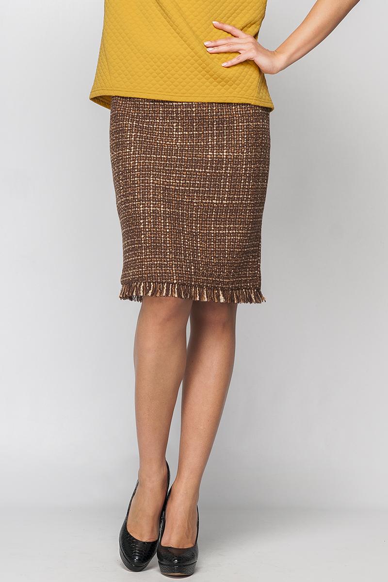 ЮбкаПрямая юбка, без пояса на кокетке. По заднему полотнищу юбки металлическая молния по всей длине. Длиной до колена.   Параметры изделия:  44 размер: обхват талии - 76 см, обхват бедер - 96 см, длина изделия - 53 см (с бахромой);  52 размер: обхват талии - 90 см, обхват бедер - 112 см, длина изделия - 58 см (с бахромой).  Цвет: коричневый, бежевый  Рост девушки-фотомодели 170 см<br><br>По длине: До колена<br>По материалу: Трикотаж<br>По образу: Город,Офис,Свидание<br>По рисунку: Цветные<br>По силуэту: Полуприталенные<br>По стилю: Повседневный стиль<br>По элементам: С декором<br>По сезону: Осень,Весна<br>Застежка: С молнией<br>Размер : 40,42,44,46<br>Материал: Трикотаж<br>Количество в наличии: 8