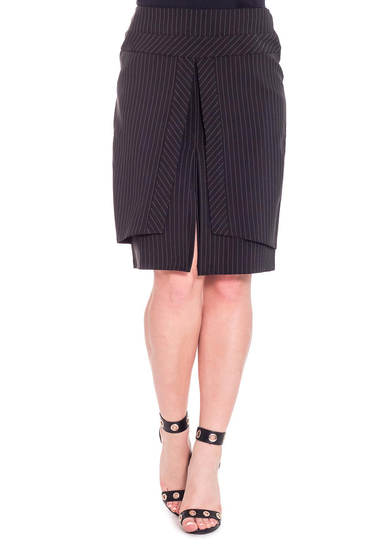 ЮбкаЮбки<br>Красивая юбка с декоративными складками и вырезом. Модель выполнена из плотного материала в полоску. Отличный выбор для повседневного гардероба.  Цвет: черный  Рост девушки-фотомодели 170 см.<br><br>По длине: До колена<br>По материалу: Тканевые<br>По рисунку: В полоску,Цветные<br>По сезону: Весна,Осень<br>По силуэту: Полуприталенные<br>По стилю: Повседневный стиль<br>По форме: Юбка-карандаш<br>По элементам: С разрезом,Со складками<br>Разрез: Короткий<br>Размер : 44,46,48,50,52<br>Материал: Костюмная ткань<br>Количество в наличии: 10