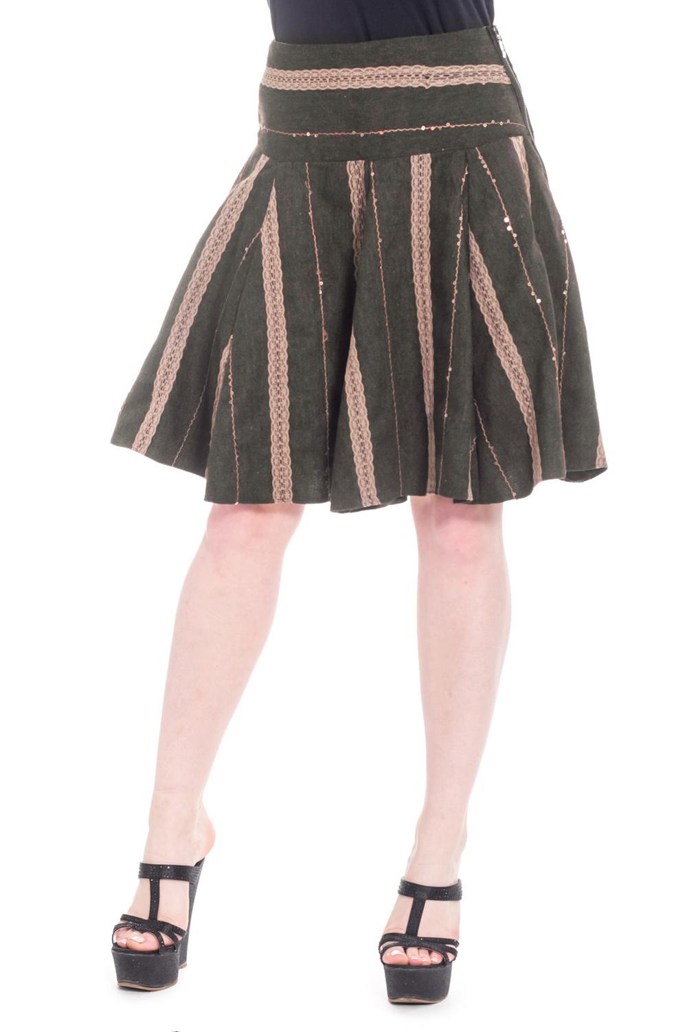 ЮбкаЮбки<br>Очаровательная женская юбка с застежкой - молния. Подклад.  Цвет: бежевый, коричневый.  Рост девушки-фотомодели 170 см.<br><br>По образу: Город,Офис,Свидание<br>По стилю: Офисный стиль,Повседневный стиль,Кэжуал<br>По материалу: Тканевые,Костюмные ткани<br>По рисунку: В полоску,Цветные<br>По сезону: Осень,Всесезон,Весна,Зима,Лето<br>По силуэту: Приталенные,Свободные<br>По элементам: С отделочной фурнитурой,С декором,С молнией<br>По форме: Юбка-солнце<br>По длине: До колена<br>Размер: 44,46,48<br>Материал: 70% вискоза 25% шерсть 5% район<br>Количество в наличии: 3