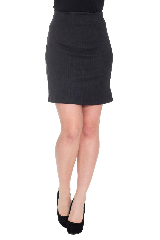 ЮбкаЮбки<br>Элегантная женская юбка. Модель выполнена из костюмной ткани. Застежка - молния. Цвет: черный.  Рост девушки-фотомодели 170 см<br><br>По длине: До колена<br>По материалу: Костюмные ткани<br>По рисунку: Однотонные<br>По сезону: Весна,Зима,Лето,Осень,Всесезон<br>По силуэту: Приталенные<br>По стилю: Классический стиль,Кэжуал,Офисный стиль,Повседневный стиль<br>Застежка: С молнией<br>Размер : 42<br>Материал: Костюмная ткань<br>Количество в наличии: 1