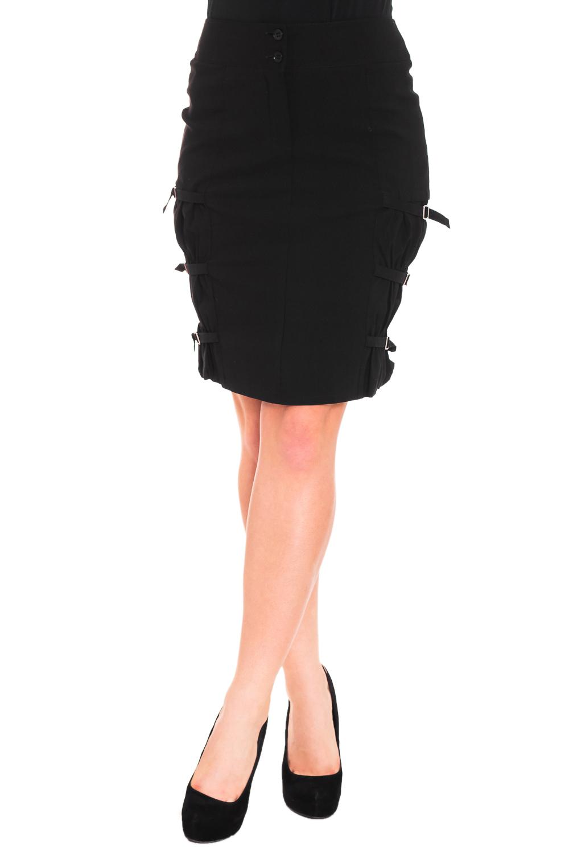ЮбкаЮбки<br>Красивая женская юбка из плотной костюмной ткани. Отличный выбор для повседневного и делового гардероба.  Цвет: черный  Рост девушки-фотомодели 170 см<br><br>По длине: До колена<br>По материалу: Вискоза,Костюмные ткани,Тканевые,Хлопок<br>По рисунку: Однотонные<br>По силуэту: Полуприталенные<br>По стилю: Офисный стиль,Повседневный стиль<br>По элементам: С декором,С карманами<br>По сезону: Осень,Весна<br>Размер : 44,46,52,54<br>Материал: Костюмно-плательная ткань<br>Количество в наличии: 4
