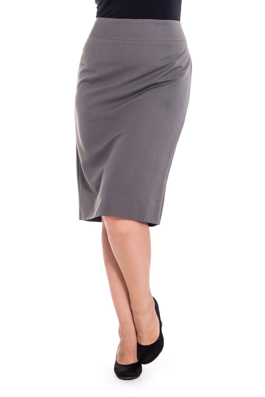 ЮбкаЮбки<br>Классическая женская юбка до колена. Модель выполнена из приятного материала. Отличный выбор для повседневного и делового гардероба.  Цвет: серый  Рост девушки-фотомодели 180 см<br><br>По длине: До колена<br>По материалу: Тканевые<br>По рисунку: Однотонные<br>По силуэту: Приталенные<br>По стилю: Классический стиль,Офисный стиль,Повседневный стиль<br>По форме: Юбка-карандаш<br>По элементам: С разрезом<br>Разрез: Короткий<br>По сезону: Осень,Весна<br>Размер : 44,46,48,52<br>Материал: Костюмная ткань<br>Количество в наличии: 4