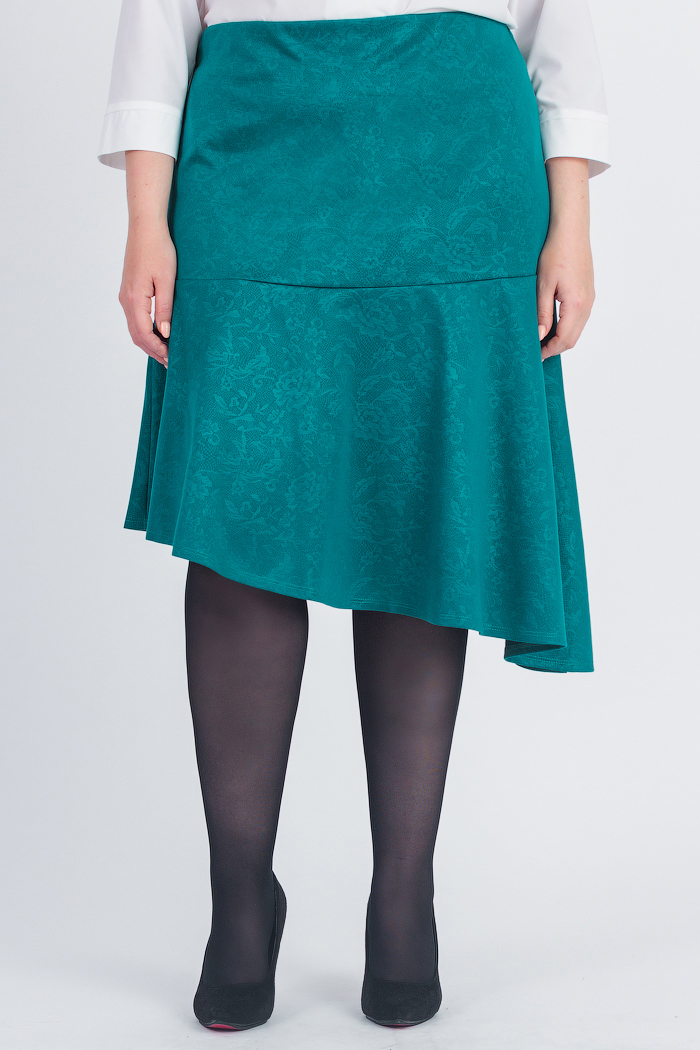 ЮбкаЮбки<br>Оригинальная женская юбка с асимметричным низом. Модель станет идеальным дополнением к Вашему изысканному гардеробу.  Юбка силуэта quot;трапецияquot; с широким, асимметричным воланом по низу. На спинке средний шов с молнией. Верхний срез обработан обтачкой.  Цвет: морская волна.  Рост девушки-фотомодели 178 см  Длина по спинке изделия - 67 ± 2 см<br><br>По длине: Ниже колена<br>По материалу: Трикотаж<br>По рисунку: Однотонные<br>По сезону: Весна,Зима,Лето,Осень,Всесезон<br>По силуэту: Полуприталенные<br>По стилю: Повседневный стиль,Романтический стиль<br>По элементам: С воланами и рюшами,С декором,С фигурным низом<br>Застежка: С молнией<br>Размер : 58,60,62,64,66,68<br>Материал: Трикотаж<br>Количество в наличии: 19