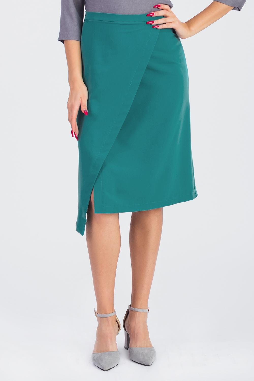 ЮбкаЮбки<br>Стильная юбка с фигурным низом для современных модниц. Эта оригинальная юбка подчеркнет Ваши стройные ножки и чувство индивидуальности.  Юбка силуэта трапеция с запахом, на поясе. Молния в боковом шве. На спинке средний шов.   Цвет: изумрудный.  Рост девушки-фотомодели 168 см  Длина изделия (по боковому шву) - 62 ± 2 см  ри создании образа, который Вы видите на фотографии, также были использована стильная блузка арт. DG4116(3111). Для просмотра модели введите артикул в строке поиска.<br><br>По длине: Ниже колена<br>По материалу: Костюмные ткани,Тканевые<br>По образу: Город,Офис,Свидание<br>По рисунку: Однотонные<br>По сезону: Весна,Зима,Лето,Осень,Всесезон<br>По силуэту: Полуприталенные<br>По стилю: Кэжуал,Офисный стиль,Повседневный стиль,Романтический стиль<br>По элементам: С декором,С разрезом,С фигурным низом<br>Разрез: Длинный<br>Застежка: С молнией<br>Размер : 42,44,46,48,50<br>Материал: Костюмно-плательная ткань<br>Количество в наличии: 10