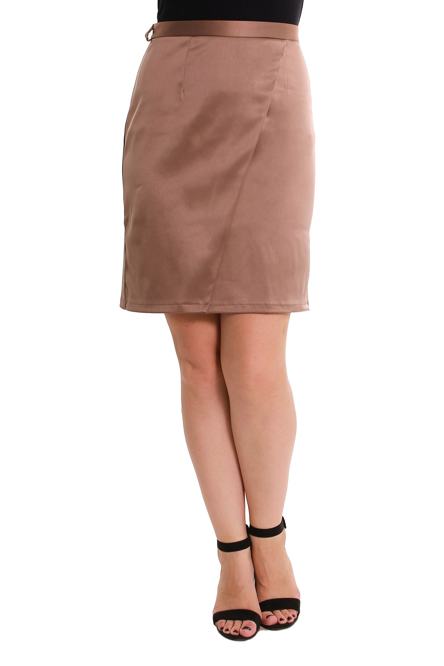 ЮбкаЮбки<br>Элегантная прямая юбка, по переду запах, молния сзади. Цвет: темно-бежевый.  Длина юбки - 58 см.<br><br>По рисунку: Однотонные<br>По сезону: Весна,Всесезон,Зима,Лето,Осень<br>По силуэту: Полуприталенные,Приталенные<br>По материалу: Атлас<br>По стилю: Нарядный стиль,Офисный стиль,Повседневный стиль<br>По элементам: С разрезом<br>Застежка: С молнией<br>По длине: До колена<br>Разрез: Шлица<br>Размер : 48,50,56<br>Материал: Атлас<br>Количество в наличии: 5