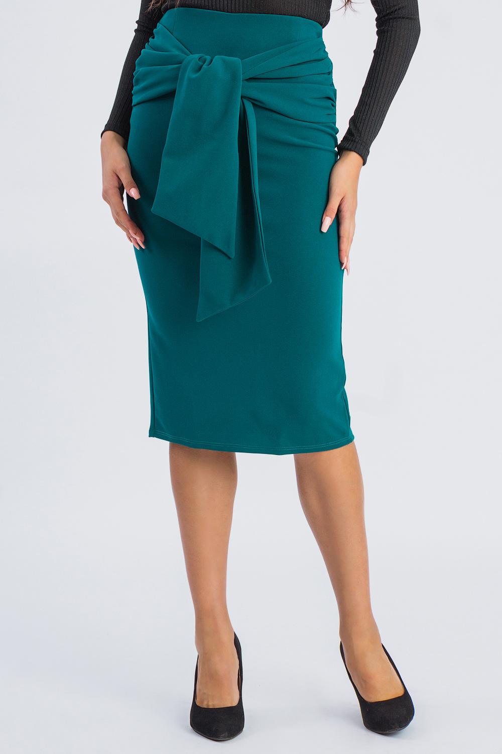 ЮбкаЮбки<br>Стильная юбка приталенного силуэта для современных модниц. Эта оригинальная юбка подчеркнет Ваши стройные ножки и чувство индивидуальности.  Юбка quot;карандашquot;. На спинке средний шов со шлицей и молнией. Отлетные пояса втачены в боковые швы, завязываются на переде. Верхний срез на обтачке.   Цвет: темно-зеленый морской.  Рост девушки-фотомодели 173 см  Длина изделия (по боковому шву) - 71 ± 2 см<br><br>По длине: Ниже колена<br>По материалу: Трикотаж<br>По рисунку: Однотонные<br>По сезону: Зима,Осень,Весна<br>По силуэту: Приталенные<br>По стилю: Классический стиль,Кэжуал,Офисный стиль,Повседневный стиль<br>По форме: Юбка-карандаш<br>По элементам: С декором,Со складками<br>Разрез: Шлица<br>Застежка: С завязками,С молнией<br>Размер : 42,44,46,50<br>Материал: Трикотаж<br>Количество в наличии: 9