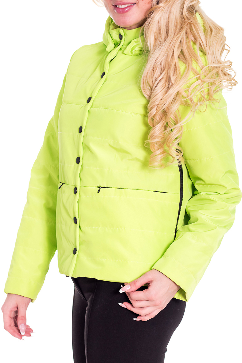 КурткаКуртки<br>Женская куртка с воротником стойка и капюшоном. Модель застегивается на кнопки и имеет 2 кармана. Куртка отлично защитит Вас от непогоды.  Цвет: салатовый  Рост девушки-фотомодели 170 см<br><br>Воротник: Стойка<br>Застежка: С кнопками,С молнией<br>По длине: Средней длины,Удлиненные<br>По материалу: Плащевая ткань,Тканевые<br>По образу: Город<br>По рисунку: Однотонные<br>По сезону: Весна,Осень<br>По силуэту: Полуприталенные<br>По стилю: Молодежный стиль,Повседневный стиль<br>По форме: Ветровка<br>По элементам: С капюшоном,С карманами<br>Рукав: Длинный рукав<br>Размер : 46<br>Материал: Болонья<br>Количество в наличии: 1