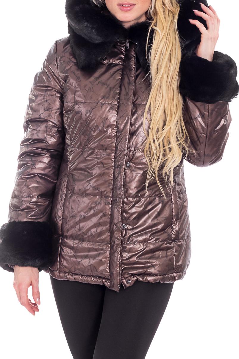 КурткаКуртки<br>Зимняя куртка полуприталенного силуэта, длинной до бедра, с карманами, застежка на молнию и кнопки. Куртка украшена мехом.   В изделии использованы цвета: коричневый, черный  Рост девушки-фотомодели 170 см.<br><br>Воротник: Стойка<br>Застежка: С кнопками,С молнией<br>По длине: Средней длины<br>По материалу: Плащевая ткань<br>По образу: Город<br>По рисунку: Однотонные<br>По силуэту: Прямые<br>По стилю: Повседневный стиль<br>По элементам: С капюшоном,С манжетами<br>Рукав: Длинный рукав<br>По сезону: Зима<br>Размер : 46,48,50,52,54<br>Материал: Болонья<br>Количество в наличии: 5