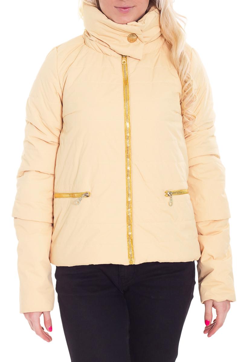 КурткаКуртки<br>Молодежная куртка с отстегивающимися рукавами. Модель выполнена из плотной болоньи. Отличный выбор для повседневного гардероба.  В изделии использованы цвета: светло-бежевый  Рост девушки-фотомодели 170 см.<br><br>Воротник: Стойка<br>Застежка: С молнией<br>По длине: Короткие<br>По материалу: Плащевая ткань<br>По рисунку: Однотонные<br>По силуэту: Полуприталенные<br>По стилю: Кэжуал,Молодежный стиль,Повседневный стиль<br>По элементам: С карманами,С отделочной фурнитурой<br>Рукав: Длинный рукав,Рукав три четверти<br>По сезону: Осень,Весна<br>Размер : 52,56<br>Материал: Болонья<br>Количество в наличии: 2