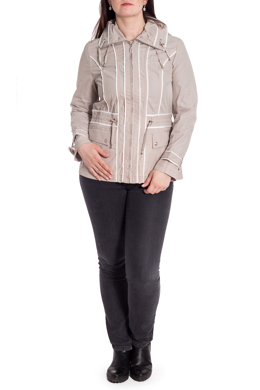 ВетровкаВерхняя одежда<br>Удобная куртка с застежкой на молнию. Модель выполнена из плотного материала. Отличный выбор для повседневного гардероба. Ветровка с подкладом из 100% полиэстера.  Ростовка изделия 164 см.  В изделии использованы цвета: бежевый, белый  Рост девушки-фотомодели 180 см.<br><br>Воротник: Стояче-отложной<br>Застежка: С молнией<br>По длине: До колена<br>По материалу: Плащевая ткань<br>По рисунку: Однотонные<br>По силуэту: Полуприталенные<br>По стилю: Повседневный стиль<br>По элементам: С декором,С капюшоном,С карманами<br>Рукав: Длинный рукав<br>По сезону: Осень,Весна<br>Размер : 48,52<br>Материал: Плащевая ткань<br>Количество в наличии: 2