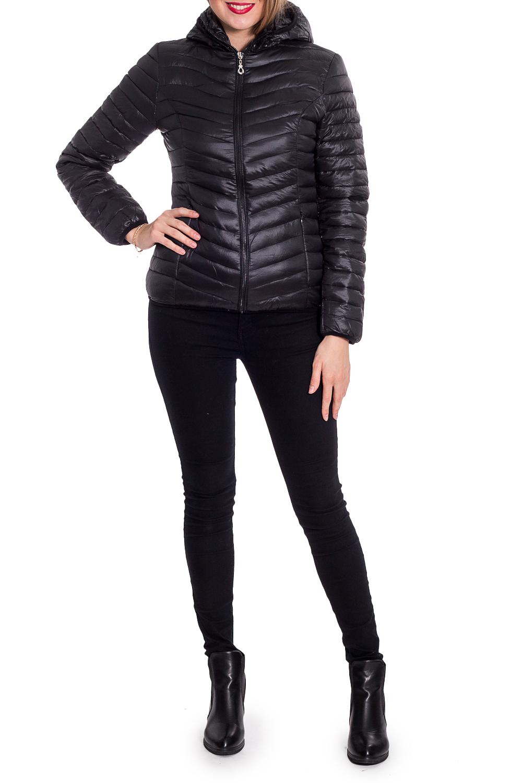 КурткаКуртки<br>Молодежная куртка с капюшоном и застежкой на молнию. Модель выполнена из плотной болоньи. Отличный выбор для повседневного гардероба.  В изделии использованы цвета: черный  Рост девушки-фотомодели 180 см<br><br>Воротник: Стойка<br>Застежка: С молнией<br>По длине: Короткие<br>По материалу: Плащевая ткань<br>По рисунку: Однотонные<br>По силуэту: Полуприталенные<br>По стилю: Кэжуал,Молодежный стиль,Повседневный стиль,Спортивный стиль<br>По элементам: С капюшоном,С карманами<br>Рукав: Длинный рукав<br>По сезону: Осень,Весна<br>Размер : 42,44,46,48,50<br>Материал: Болонья<br>Количество в наличии: 5