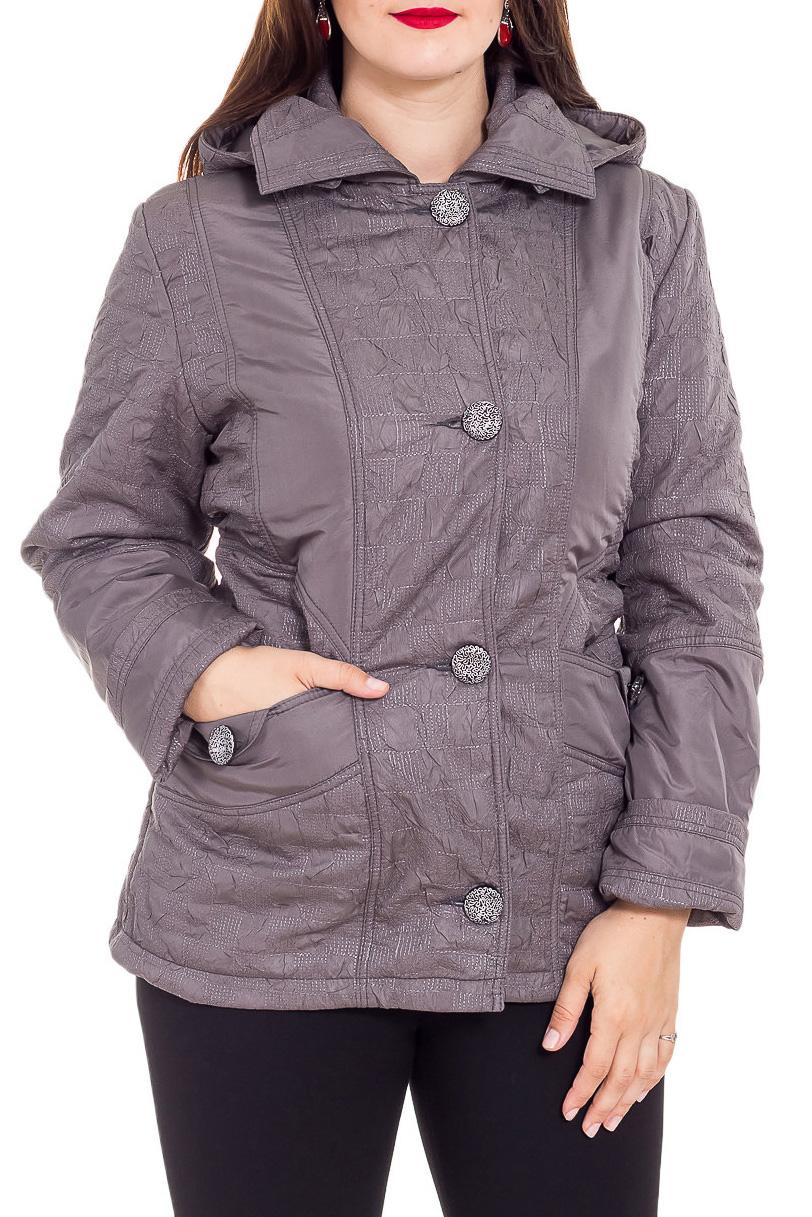 КурткаКуртки<br>Однотонная куртка с застежкой на пуговицы и капюшоном. Модель выполнена из плотного материала. Отличный выбор для любого случая.  Цвет: бежево-серый  Рост девушки-фотомодели 180 см<br><br>Воротник: Отложной<br>Застежка: С пуговицами<br>По длине: Средней длины<br>По материалу: Плащевая ткань<br>По рисунку: Однотонные<br>По силуэту: Полуприталенные<br>По стилю: Повседневный стиль<br>По элементам: С капюшоном,С карманами<br>Рукав: Длинный рукав<br>По сезону: Осень,Весна<br>Размер : 50,52,54,56,58<br>Материал: Болонья<br>Количество в наличии: 7