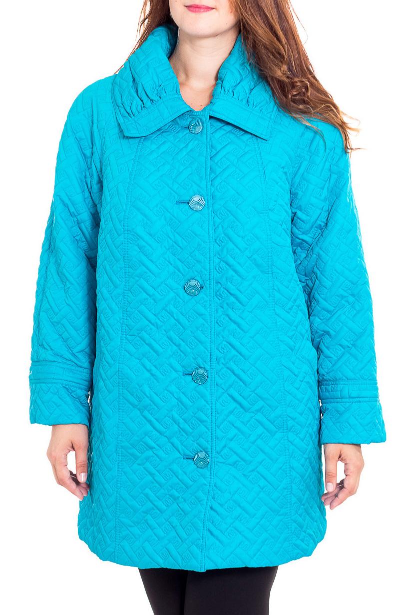 КурткаКуртки<br>Демисезонная куртка с отложным воротником, застежкой на пуговицы. Модель выполнена из плотной плащевой ткани. Отличный выбор для повседневного гардероба.  Цвет: голубой  Рост девушки-фотомодели 180 см.<br><br>Воротник: Отложной<br>Застежка: С пуговицами<br>По длине: Средней длины<br>По материалу: Тканевые<br>По рисунку: Однотонные,Фактурный рисунок<br>По силуэту: Полуприталенные<br>По стилю: Повседневный стиль<br>По элементам: С карманами<br>Рукав: Длинный рукав<br>По сезону: Осень,Весна<br>Размер : 64,66,68,70<br>Материал: Плащевая ткань<br>Количество в наличии: 4