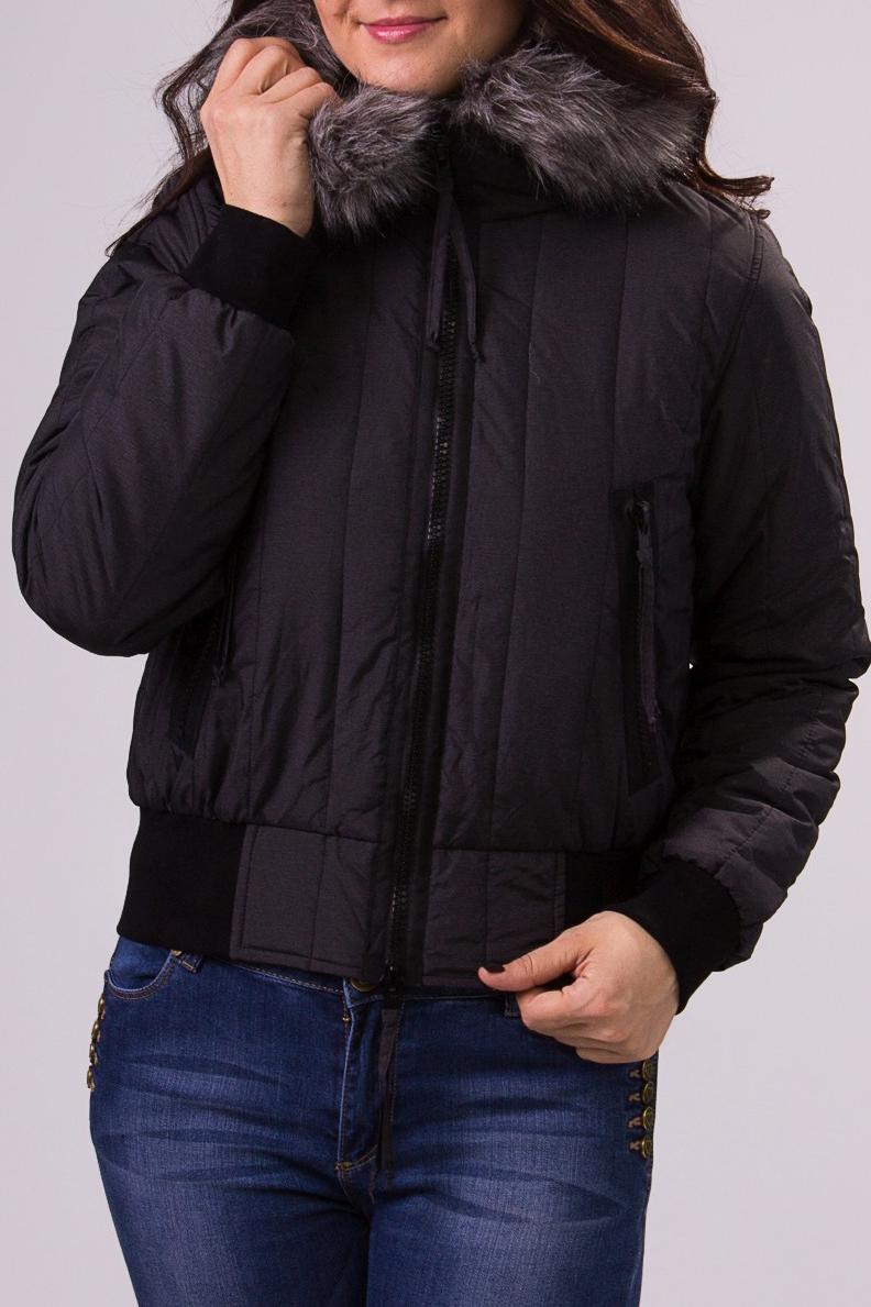 КурткаКуртки<br>Утепленная женская куртка с меховой отделкой на капюшоне. Соответствует размеру 44-46.  Рост девушки-фотомодели 180 см.<br><br>Воротник: Стойка<br>Застежка: С молнией<br>По длине: Короткие<br>По материалу: Мех,Плащевая ткань<br>По образу: Город<br>По рисунку: Однотонные<br>По силуэту: Полуприталенные<br>По стилю: Молодежный стиль,Повседневный стиль<br>По элементам: С карманами<br>Рукав: Длинный рукав<br>По сезону: Осень,Весна<br>Размер : 40-42,44-46,48-50<br>Материал: Болонья<br>Количество в наличии: 5