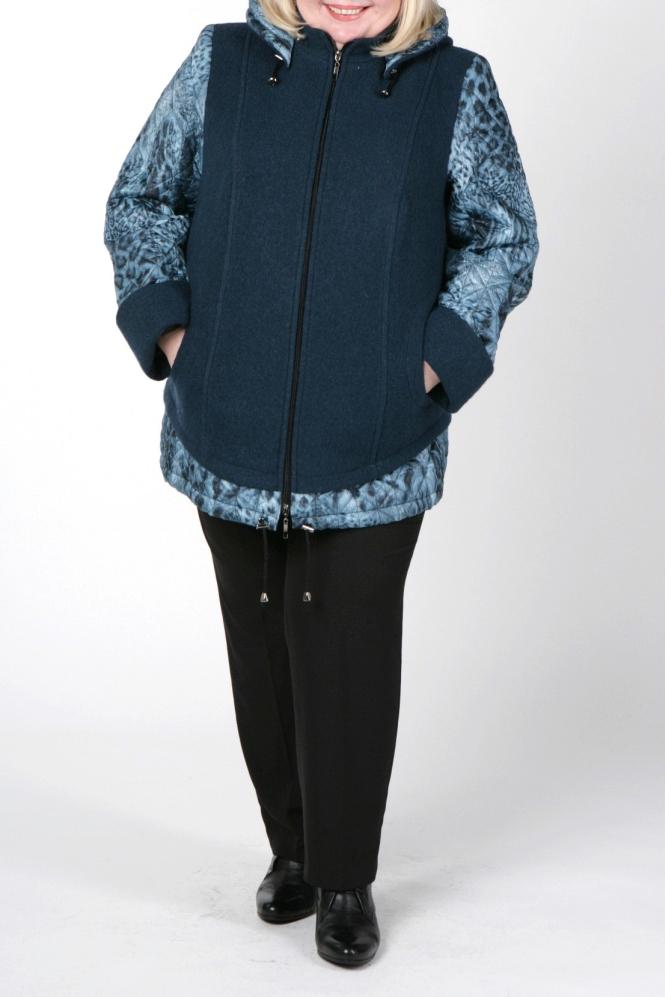 КурткаКуртки<br>Интересная куртка из плотной пальтовой ткани. Отличный выбор для повседневного гардероба. Подклад 100% полиэстер.  В изделии использованы цвета: морская волна, голубой и др.  Рост девушки-фотомодели 172 см<br><br>Воротник: Стойка<br>Застежка: С молнией<br>По длине: Средней длины<br>По рисунку: С принтом,Цветные<br>По силуэту: Полуприталенные<br>По стилю: Повседневный стиль<br>По элементам: С капюшоном,С манжетами<br>Рукав: Длинный рукав<br>По сезону: Осень,Весна<br>Размер : 66,68,72<br>Материал: Пальтовая ткань<br>Количество в наличии: 8