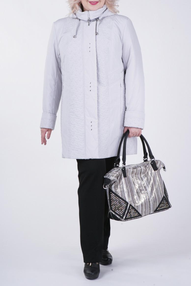 КурткаКуртки<br>Классическая женская куртка с застежкой на молнию и длинными рукавами. Отличный выбор для демисезонного периода.  Цвет: серый  Рост девушки-фотомодели 172 см<br><br>Воротник: Стойка<br>Застежка: С молнией<br>По длине: Средней длины<br>По рисунку: Однотонные<br>По силуэту: Полуприталенные<br>По стилю: Классический стиль,Повседневный стиль<br>По элементам: С карманами,С отделочной фурнитурой<br>Рукав: Длинный рукав<br>По сезону: Осень,Весна<br>Размер : 54,58,60,66,72<br>Материал: Болонья<br>Количество в наличии: 5