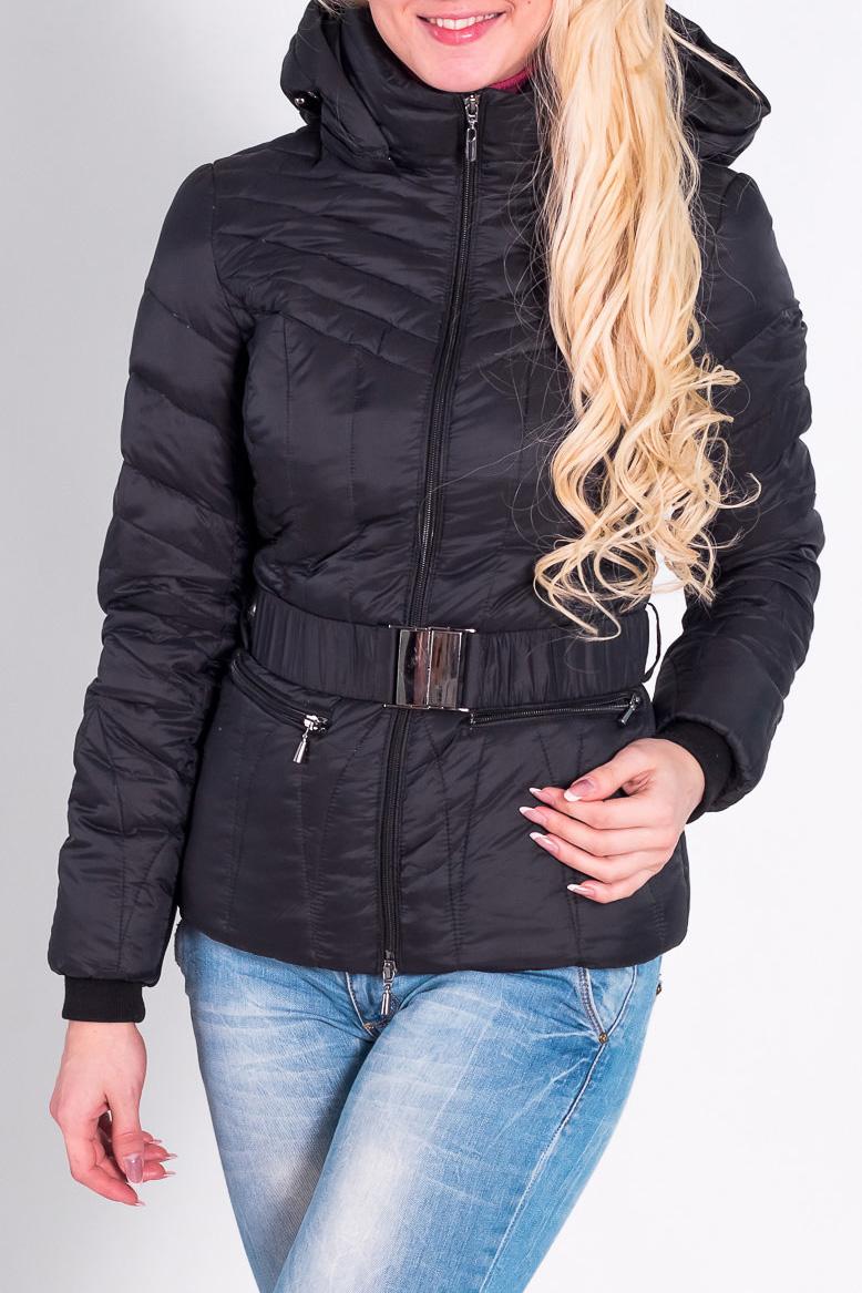 КурткаКуртки<br>Красивая куртка с капюшоном и застежкой на молию. Модель выполнена из непродуваемого материала. Отличный выбор для повседневного гардероба. Пояс в комплект не входит  Наполнитель: 70% пух 30% перо  Цвет: черный  Рост девушки-фотомодели 170 см.<br><br>Воротник: Стойка<br>Застежка: С молнией<br>По материалу: Плащевая ткань<br>По рисунку: Однотонные<br>По сезону: Весна,Осень<br>По силуэту: Полуприталенные<br>По стилю: Повседневный стиль<br>По элементам: С карманами,С капюшоном<br>Рукав: Длинный рукав<br>По длине: Короткие<br>Размер : 42,44,46,48,50<br>Материал: Болонья<br>Количество в наличии: 7