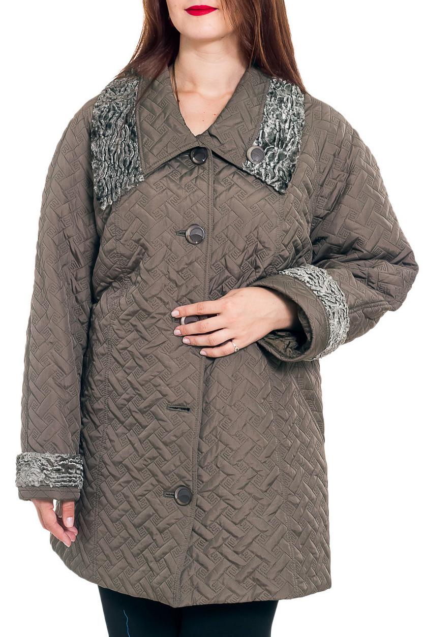 КурткаКуртки<br>Демисезонная куртка длиной до колена с отложным воротником и застежкой на пуговицы. Модель выполнена из плотной плащевой ткани. Отличный выбор для повседневного гардероба.  В изделии использованы цвета: бежево-болотный  Рост девушки-фотомодели 180 см<br><br>Воротник: Отложной<br>Застежка: С пуговицами<br>По длине: Средней длины<br>По материалу: Плащевая ткань<br>По рисунку: Однотонные,Фактурный рисунок<br>По силуэту: Полуприталенные<br>По стилю: Повседневный стиль<br>По элементам: С декором,С карманами<br>Рукав: Длинный рукав<br>По сезону: Осень,Весна<br>Размер : 66,68,72,74<br>Материал: Плащевая ткань<br>Количество в наличии: 6