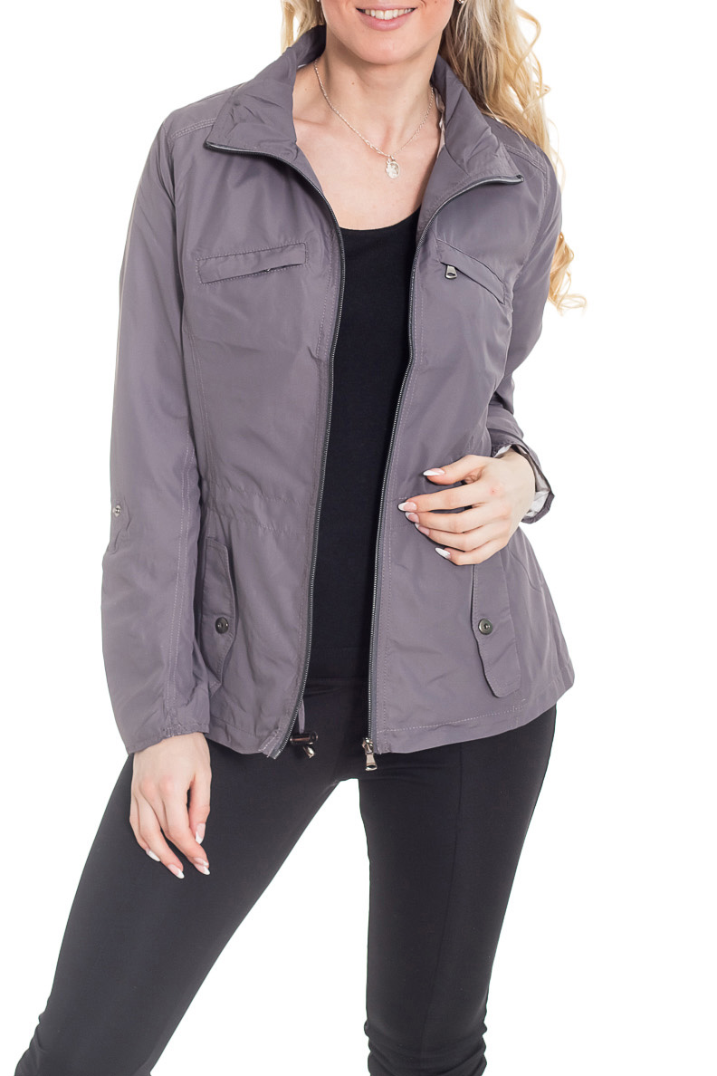 КурткаКуртки<br>Женская куртка с длинными рукавами. Модель застегивается на молнию. Отличный выбор для повседневного гардероба.  Цвет: серый  Рост девушки-фотомодели 170 см.<br><br>Воротник: Стойка<br>Застежка: С молнией<br>По материалу: Плащевая ткань<br>По рисунку: Однотонные<br>По силуэту: Полуприталенные<br>По стилю: Повседневный стиль,Кэжуал<br>По форме: Ветровка<br>По элементам: С карманами<br>Рукав: Длинный рукав<br>По сезону: Осень,Весна<br>По длине: Короткие<br>Размер : 44,46,48,50<br>Материал: Плащевая ткань<br>Количество в наличии: 4