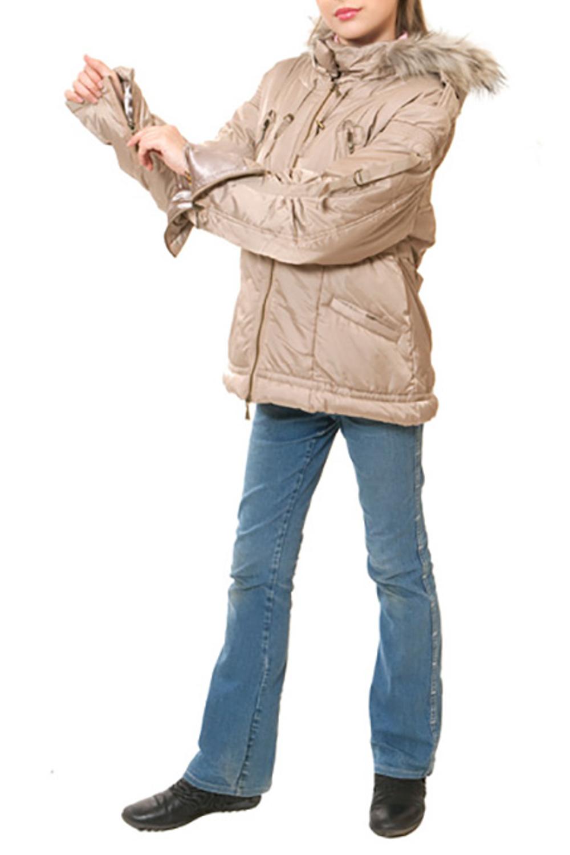 КурткаВерхняя одежда<br>Куртка зимняя для девочки с опушкой из искусственного меха. Ткань верха: курточная, 100% полиэстер Подкладка: 100% полиэстер Утеплитель: синтепух  Цвет: бежевый  Размер 104 соответствует росту 98-104 см Размер 110 соответствует росту 105-110 см Размер 116 соответствует росту 111-116 см Размер 122 соответствует росту 117-122 см Размер 128 соответствует росту 123-128 см Размер 134 соответствует росту 129-134 см Размер 140 соответствует росту 135-140 см Размер 146 соответствует росту 141-146 см Размер 152 соответствует росту 147-152 см Размер 158 соответствует росту 153-158 см Размер 164 соответствует росту 159-164 см Размер 170 соответствует росту 165-170 см<br><br>Воротник: Стойка<br>По возрасту: Школьные ( от 7 до 13 лет),Подростковые ( от 13 до 16 лет)<br>По образу: Повседневные<br>По рисунку: Однотонные<br>По сезону: Зима<br>По силуэту: Полуприталенные<br>По форме: Пуховик<br>По элементам: С карманами,С молнией<br>Рукав: Длинный рукав<br>По длине: Удлиненные<br>Размер : 134,146,152,158,164<br>Материал: Болонья<br>Количество в наличии: 5