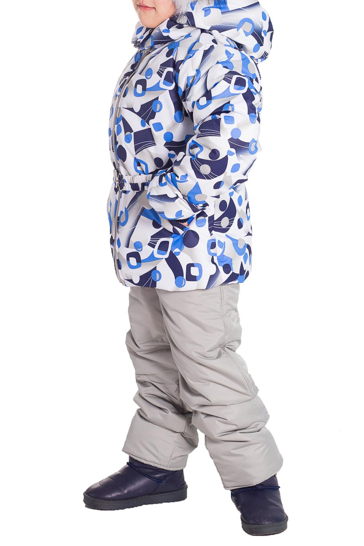 Костюм (Куртка+Полукомбинезон)Верхняя одежда<br>Очень красивый комплект, несомненно придется по душе маленькой моднице. Куртка имеет два глубоких кармашка по бокам, капюшон отстегивается, регулируется кулиской, отделка из искуственного меха, имеет снегозащитные манжеты. Куртка дополнительно утеплена флисом, спереди застегивается на молнию, дополнена декоративным поясом на резинке, который по бокам пристегивается на кнопки, имеется защита от защелемления подбородка. Полукомбинезон так же утеплен флисом, спереди застегивается на молнию закрытую широкой планкой, которая застегивается на липучку и металлическую кнопку, эластичные бретели регулируются по длине и крепятся на липучку, что способствует их легкому отсоеденению, имеется чулок на обувь. На талии предусмотрена широкая эластичная резинка, которая позволяет надежно заправить в него водолазку или свитер, дополнительно резинка регулируется по талии ребенка. Комплект выполнен из непродуваемой и непромокаемой ткани. Составверх - quot;Дьюспоquot; (полиамид 100%), подкладка - Флис (полиэстер 100%) , утеплитель - термофайбер 300, п/к 150 г/м  Цвет: серый, синий, голубой, белый  Размер 74 соответствует росту 70-73 см Размер 80 соответствует росту 74-80 см Размер 86 соответствует росту 81-86 см Размер 92 соответствует росту 87-92 см Размер 98 соответствует росту 93-98 см Размер 104 соответствует росту 98-104 см Размер 110 соответствует росту 105-110 см Размер 116 соответствует росту 111-116 см Размер 122 соответствует росту 117-122 см Размер 128 соответствует росту 123-128 см Размер 134 соответствует росту 129-134 см Размер 140 соответствует росту 135-140 см Размер 146 соответствует росту 141-146 см Размер 152 соответствует росту 147-152 см Размер 158 соответствует росту 153-158 см Размер 164 соответствует росту 159-164 см<br><br>Воротник: Стойка<br>По возрасту: Дошкольные ( от 3 до 7 лет),Школьные ( от 7 до 13 лет)<br>По материалу: Тканевые<br>По образу: Повседневные<br>По рисунку: Абстракция,Геометрия,Цветные<br>По сезо
