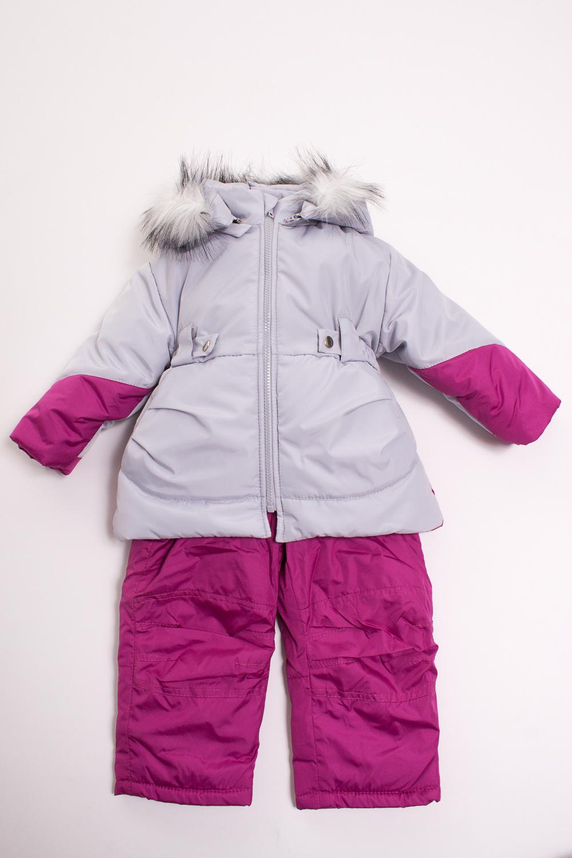 Комплект (Куртка+Полукомбинезон)Костюмы<br>Очень красивый комплект, несомненно придется по душе маленькой моднице. Куртка имеет два глубоких кармашка по бокам, капюшон отстегивается, регулируется кулиской, отделка из искуственного меха, имеет снегозащитные манжеты. Куртка дополнительно утеплена флисом, спереди застегивается на молнию, дополнена декоративным поясом на резинке, который по бокам пристегивается на кнопки, имеется защита от защелемления подбородка. Полукомбинезон так же утеплен флисом, спереди застегивается на молнию закрытую широкой планкой, которая застегивается на липучку и металлическую кнопку, эластичные бретели регулируются по длине и крепятся на липучку, что способствует их легкому отсоеденению, имеется чулок на обувь. На талии предусмотрена широкая эластичная резинка, которая позволяет надежно заправить в него водолазку или свитер, дополнительно резинка регулируется по талии ребенка. Комплект выполнен из непродуваемой и непромокаемой ткани. Составверх - Дьюспо (полиамид 100%), подкладка - Флис (полиэстер 100%) , утеплитель - термофайбер 300, п/к 150 г/м  Цвет: серый, розовый  Размер 74 соответствует росту 70-73 см Размер 80 соответствует росту 74-80 см Размер 86 соответствует росту 81-86 см Размер 92 соответствует росту 87-92 см Размер 98 соответствует росту 93-98 см Размер 104 соответствует росту 98-104 см Размер 110 соответствует росту 105-110 см Размер 116 соответствует росту 111-116 см Размер 122 соответствует росту 117-122 см Размер 128 соответствует росту 123-128 см Размер 134 соответствует росту 129-134 см Размер 140 соответствует росту 135-140 см Размер 146 соответствует росту 141-146 см Размер 152 соответствует росту 147-152 см Размер 158 соответствует росту 153-158 см Размер 164 соответствует росту 159-164 см<br><br>Воротник: Стойка<br>Горловина: Капюшон<br>По длине: Удлиненные<br>По материалу: Тканевые<br>По образу: Повседневные,Уличные<br>По рисунку: Абстракция,Цветные<br>По силуэту: Полуприталенные<br>По стилю: Повседневные<br>По эле