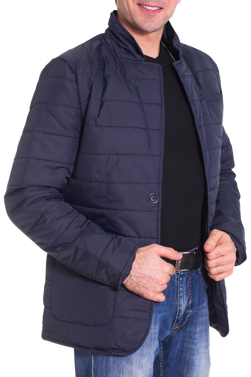 КурткаКуртки<br>Мужская куртка в деловом стиле. Модель выполнена из плотной болоньи.   Цвет: синий  Рост мужчины-фотомодели 177 см<br><br>По сезону: Осень,Весна<br>Размер : 46,48,50,52,54,56<br>Материал: Болонья<br>Количество в наличии: 5